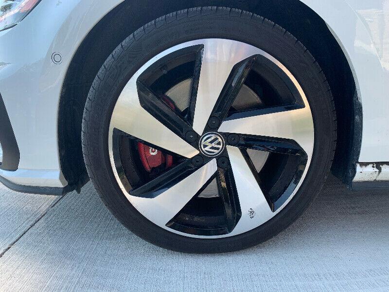2019 volkswagen Golf GTI Autobahn White Fully Loaded full