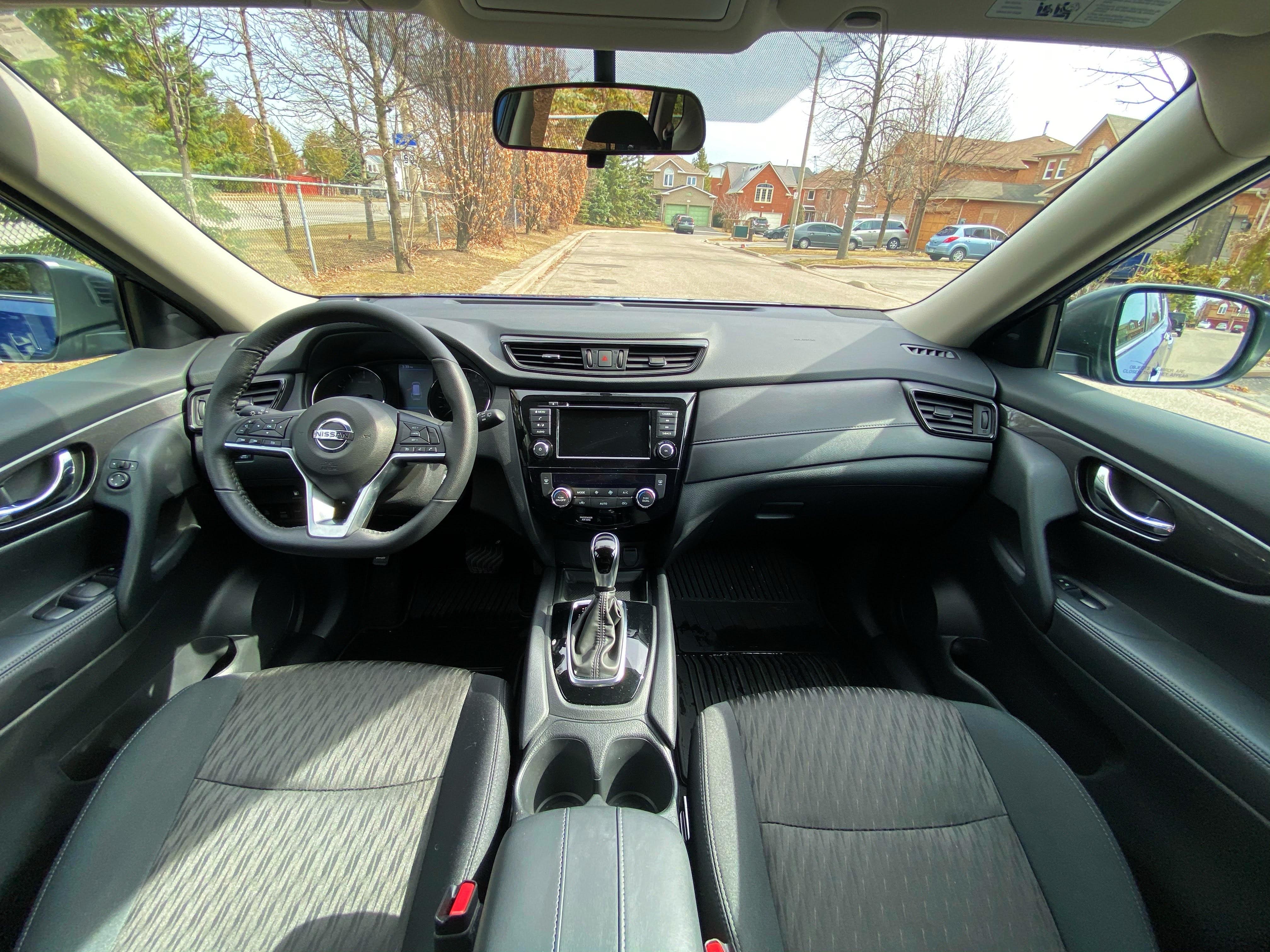 2020 Nissan Rogue SE full